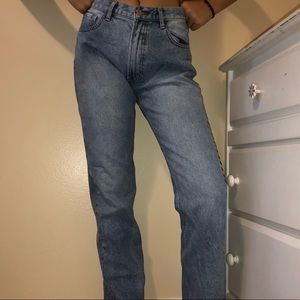 Brandy Melville Mid rise Mom jeans